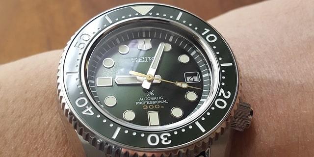 時計 修理 オーバーホール メーカー 正規代理店 依頼 メリット デメリット